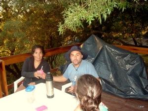 Carlos Pregno ataviado con chambergo y mate rosado. Que tahlll!!!
