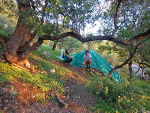 Sole y Román disfrutando la naturaleza