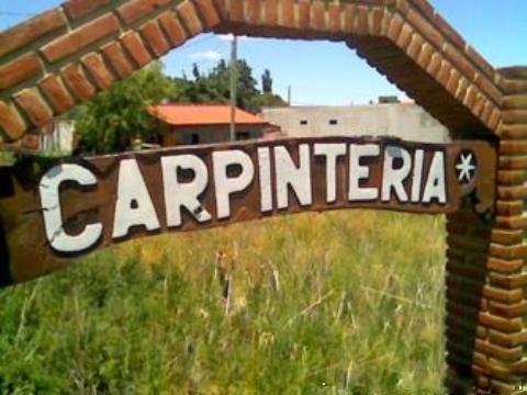 Entrada a Carpinteria