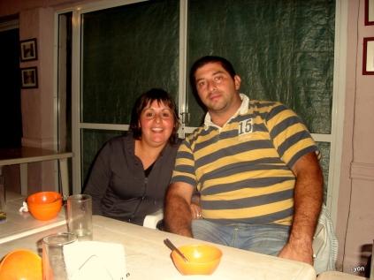 Magalí y Santiago. Gracias por el asado!!!