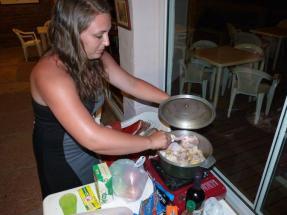 Mas amigos... cocinando.